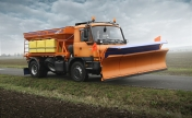 4x4 GRITTING VEHICLE WITH PLOW