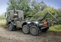 6x6 CHASSIS-CAB WITH LOAD HANDLING UNIT