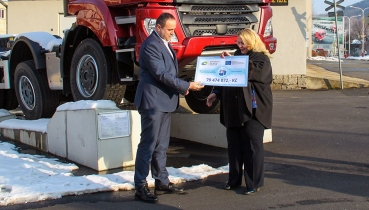 Tatra receives cheque to restore unique historic train