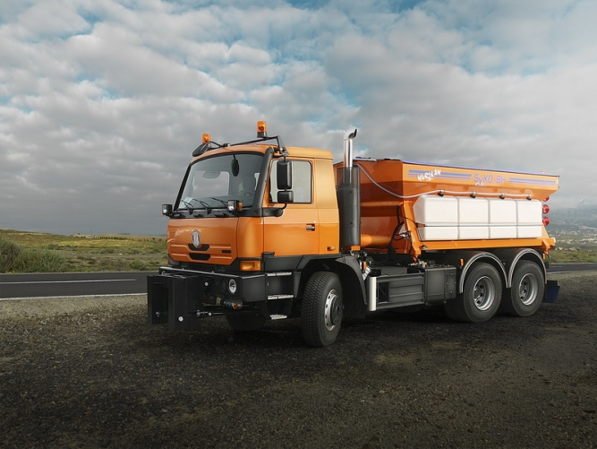 6x6 GRITTING VEHICLE