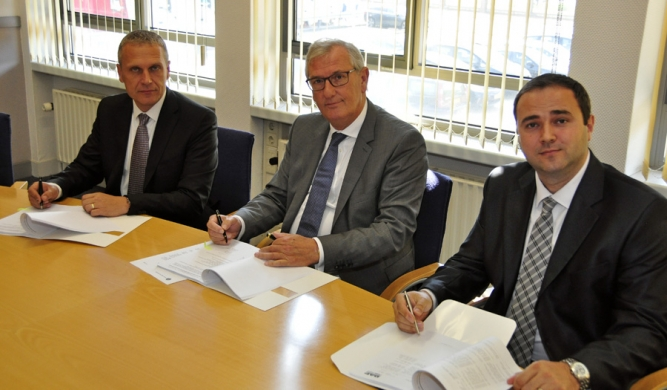 TATRA TRUCKS and DAF TRUCKS sign new agreement