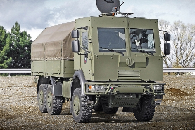 6x6 CARGO TRUCK/TROOP CARRIER, ARMOURED CAB